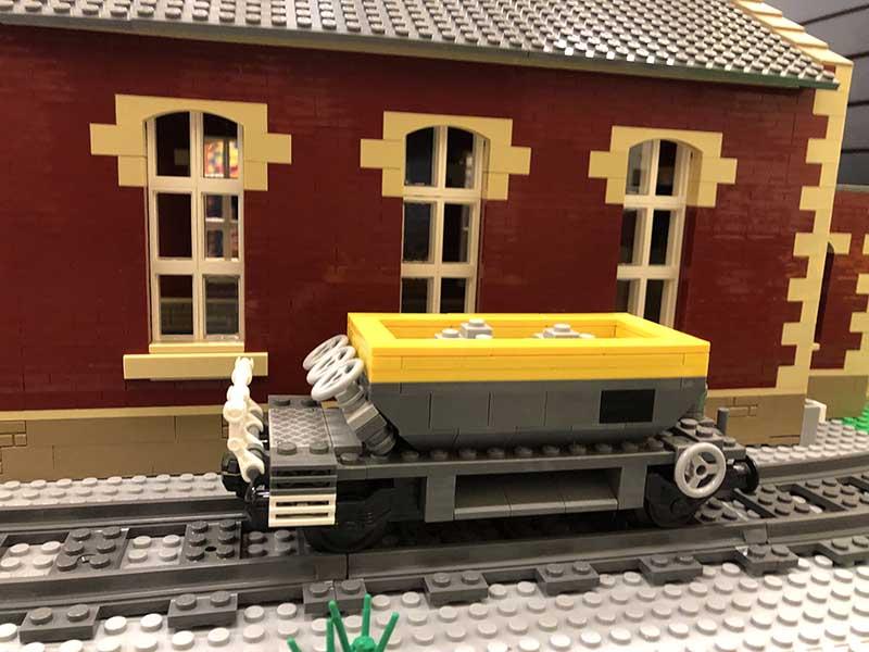 LEGO model of 24t Ballast Hopper