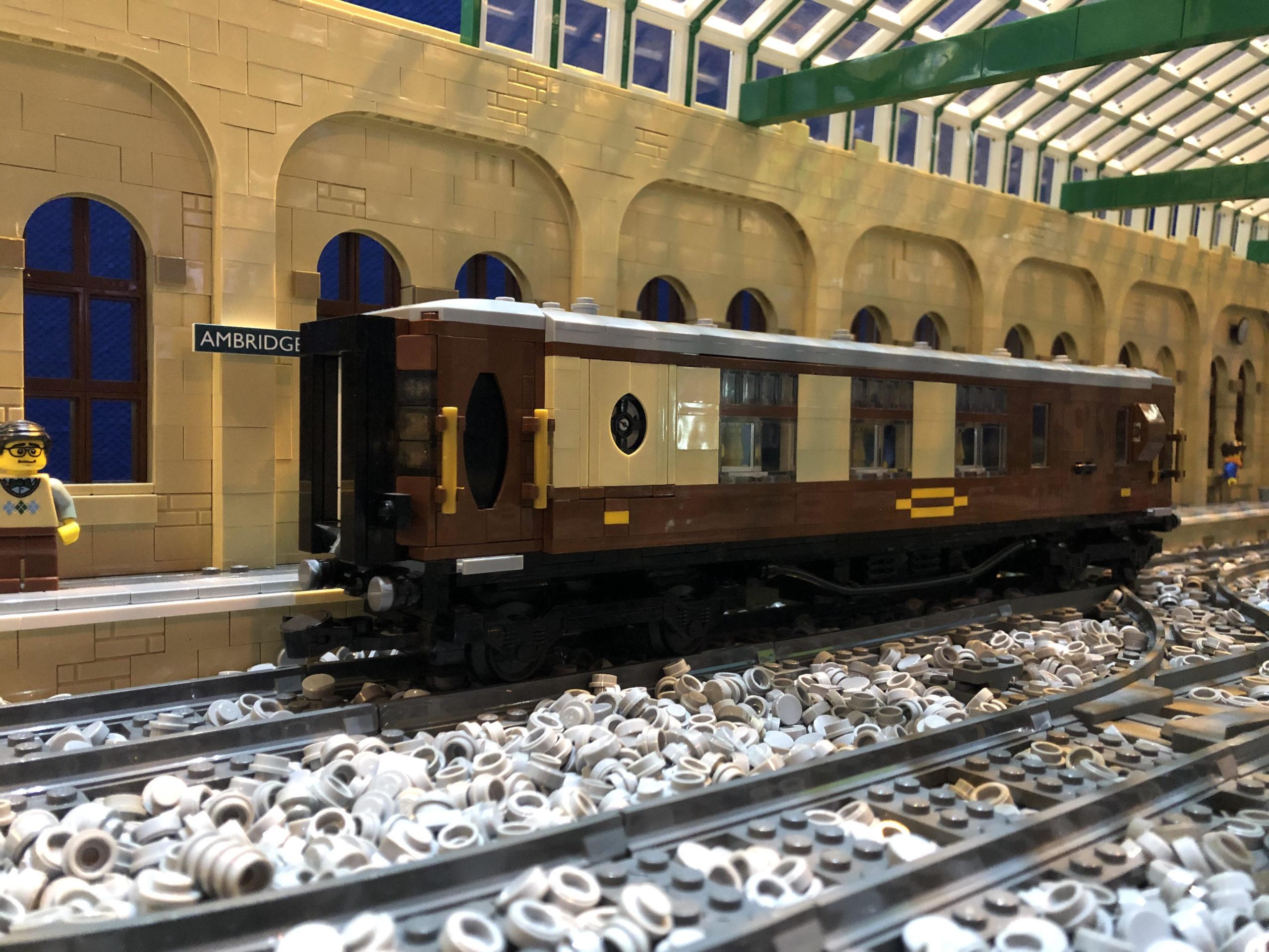LEGO model of Pullman parlour brake carriage
